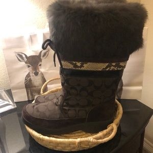 Coach Snow boots with fur size 6